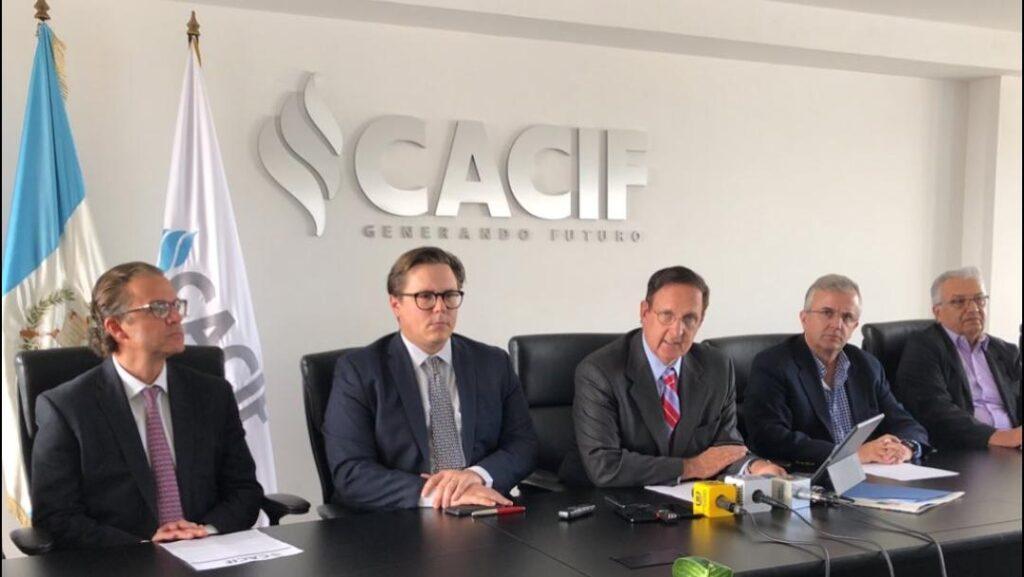 CACIF no está feliz con las disposiciones que tomo el presidente Giammattei